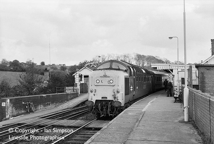 EE Deltic 55019 'Royal Highland Fusilier arrives at.... where?