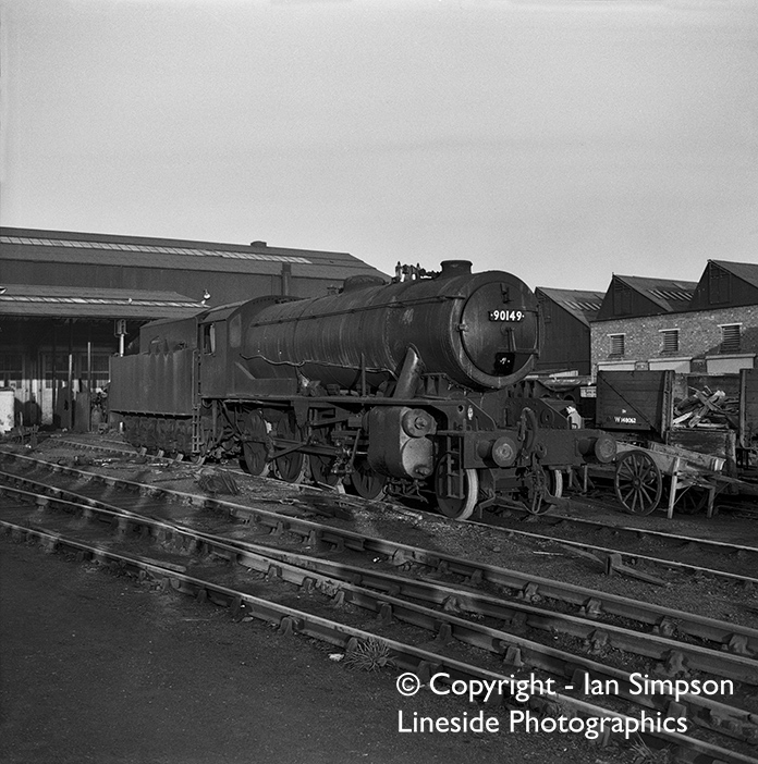 WD 2-8-0 90149 of Mexborough shed (41F) sits at Darlington Shed presumably after some attention at Darlington works. The date is Tuesday 19th November 1963, and judging by the shadows it appears to have been taken during an organised shed visit!